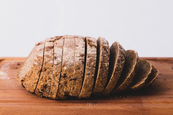 Afgebakken brood met aioli